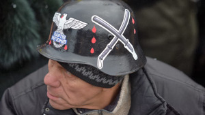 ukrainian-nationalists-attacked-police.si.jpg